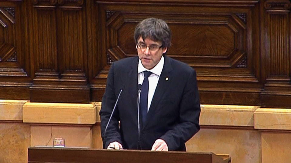 Catalan leader given five days to clarify independence stance