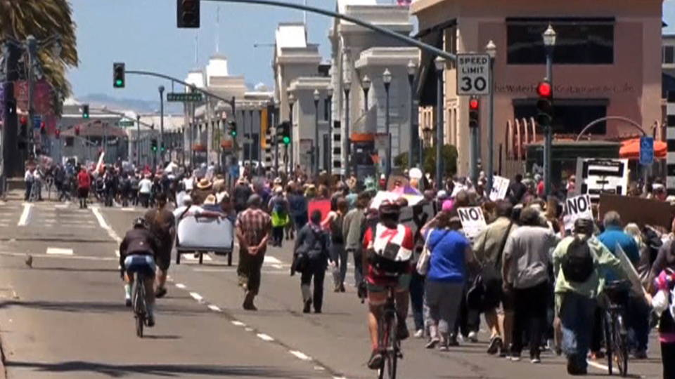 H02 trump protest