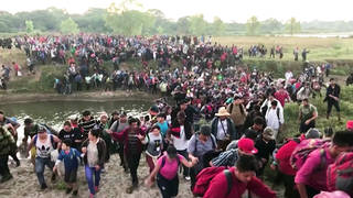 H5 mexican soldiers attack central american migrant caravan arresting 800