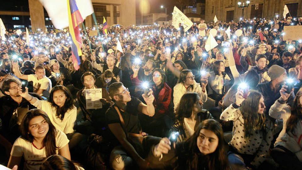 Colombia: Llega a Bogotá caminata por la paz de 450 kilómetros ...