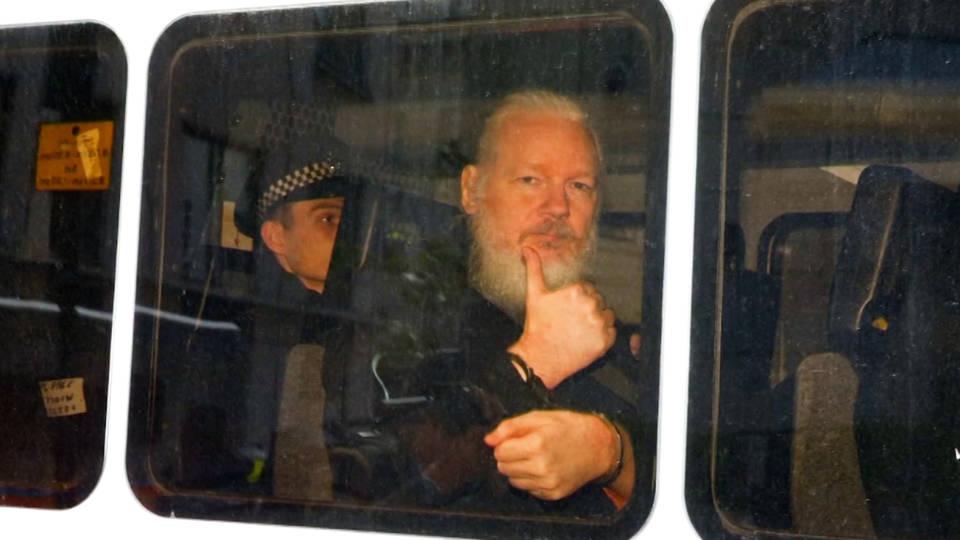 H15 more than 60 doctors warn assange could die inside london prison open letter british home secretary wikileaks