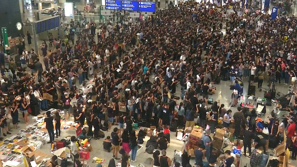 H2 hong kong internationa airport shutdown protests