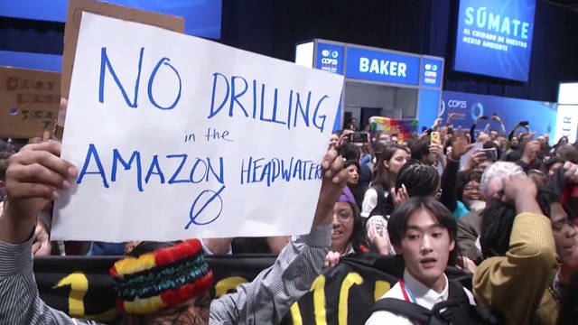 H9 cop25 protest madrid spain activists plenary halls