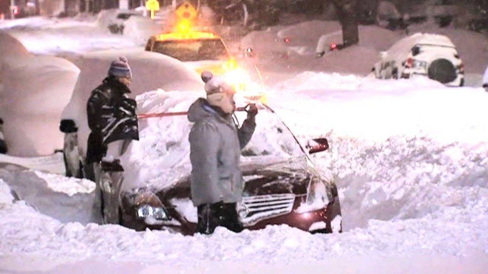 Hdlns1 snowpocalypse pummels east coast