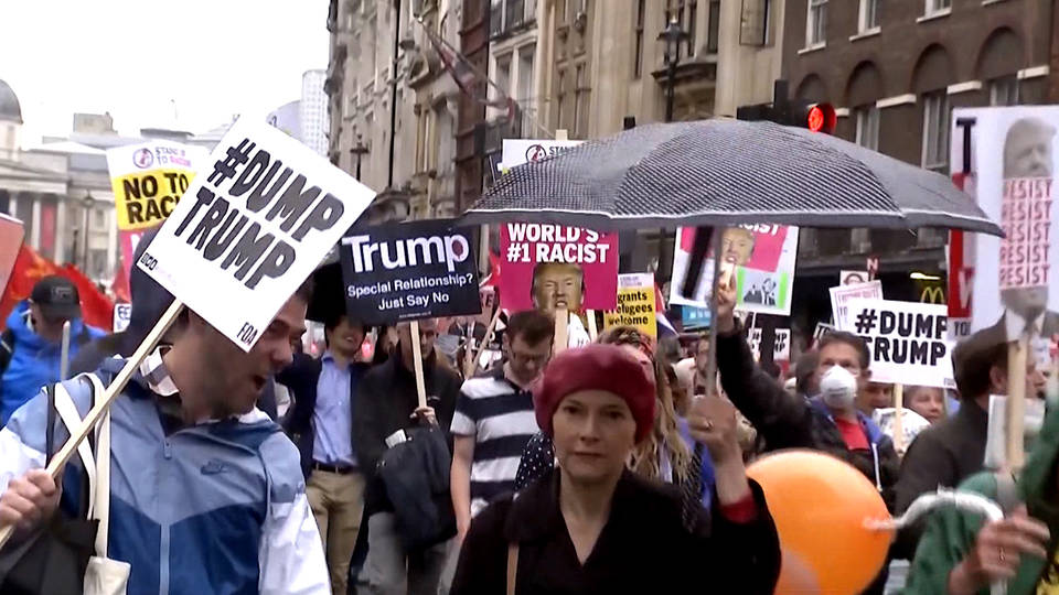 H5 trump may london uk protests buckingham palace royals