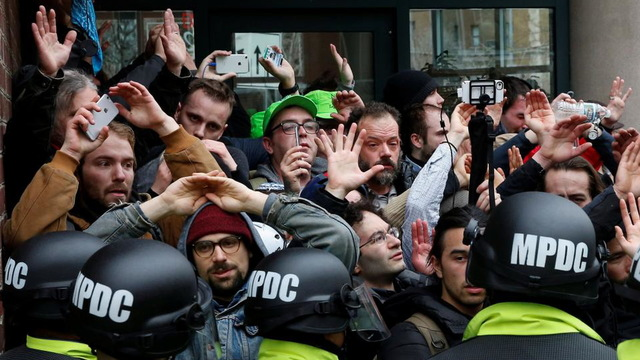 H15 dc protest police