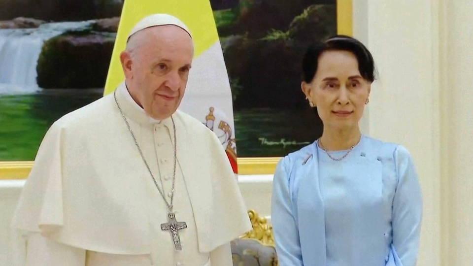 h08 pope su kyi