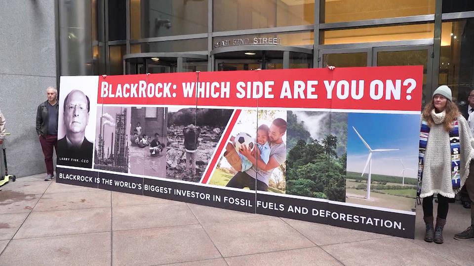 H10 new york protestors headquarters blackrock tuesday investment fossil fuels deforestation