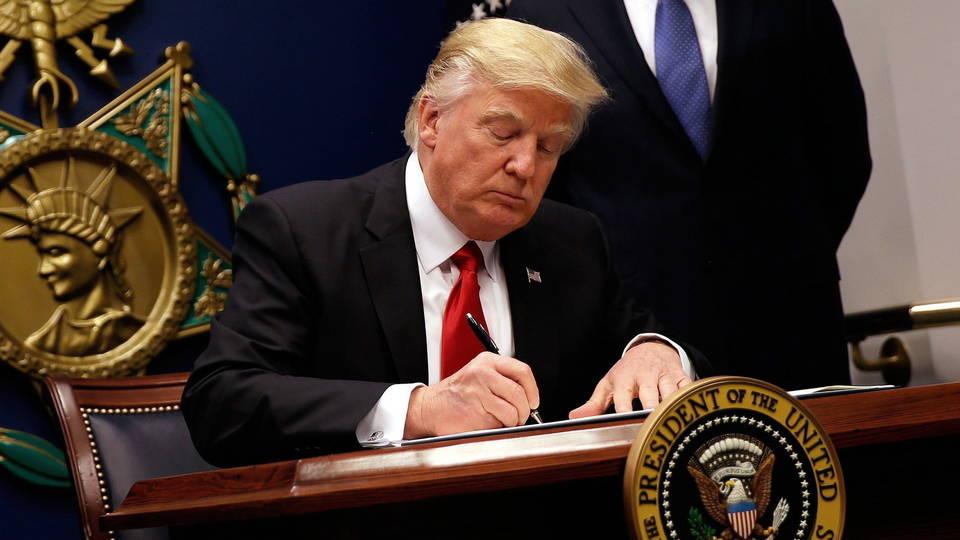 H05 trump signs