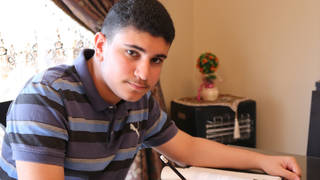 H14 ismail ajjawi palestian student turned away by immigration allowed entry freshman harvard0