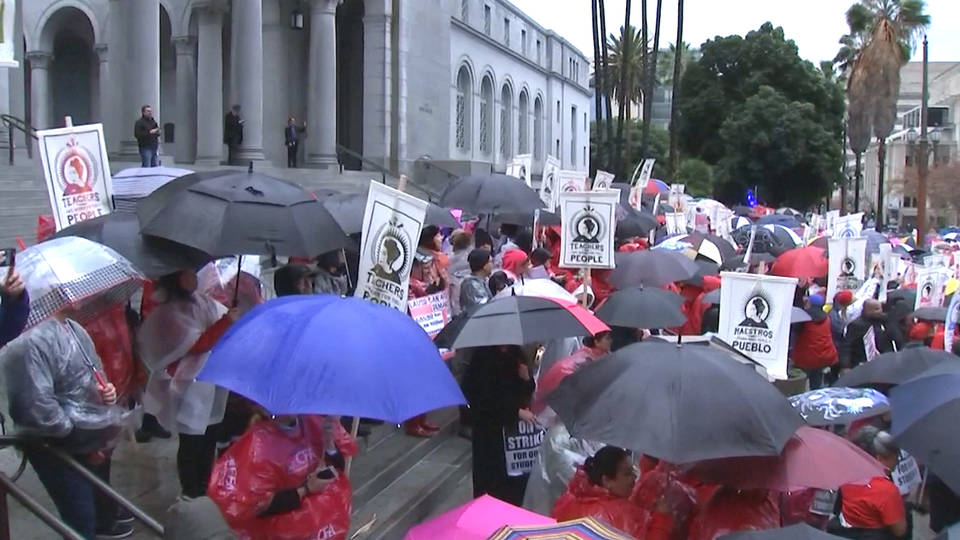 H15 la teachers strike
