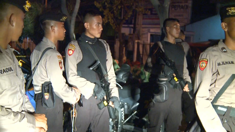 Indonesian police kill one, arrest several in Surabaya raids