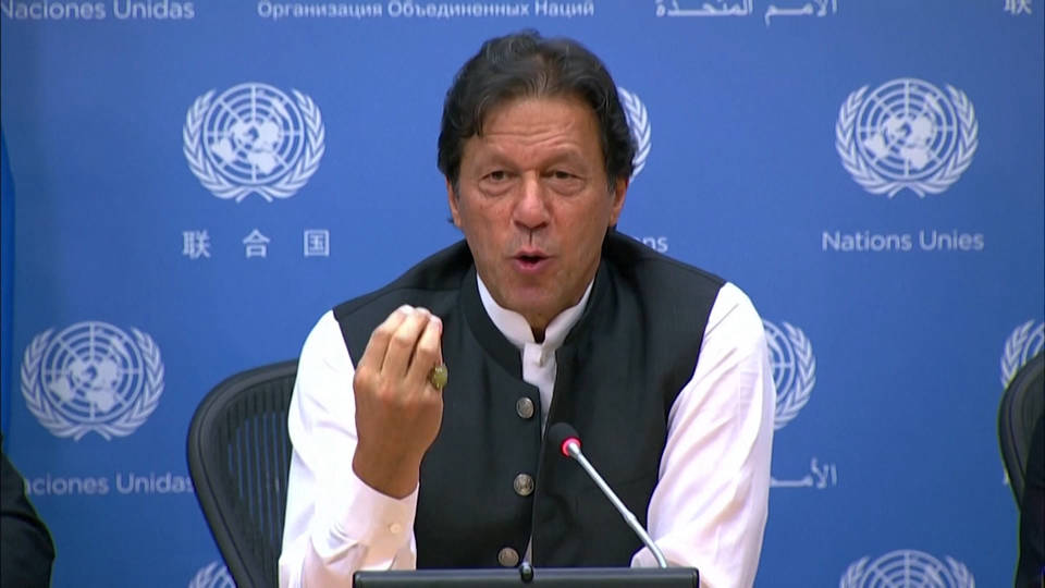 Imran reiterates nuclear blackmail if world doesn't pressure India