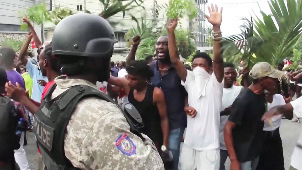 H5 haiti anti government protests enter seventh week port au prince killings