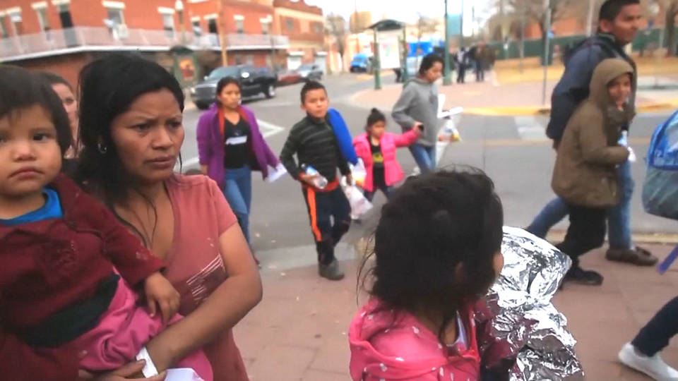 ICE Drops Off 400+ Undocumented Immigrants at El Paso Greyhound Station