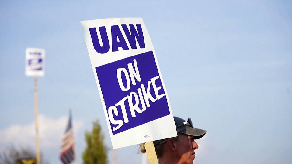 H12 uaw strike general motors fifth week united auto workers