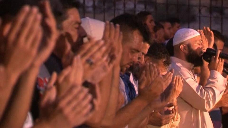 08 palestinian prayers