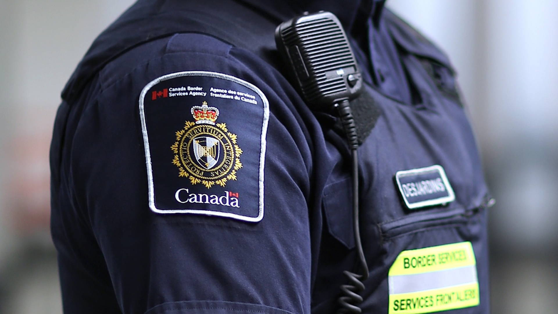 an overview of the canadian border services agency The canada border services agency is responsible for securing canada's borders by ensuring that the country's laws on customs, immigration and agriculture are respected when you arrive, you must follow the four steps of the customs clearance procedure.
