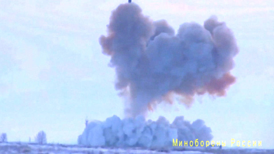 Watch Russia Successfully Test Its Newest Hypersonic Missile System