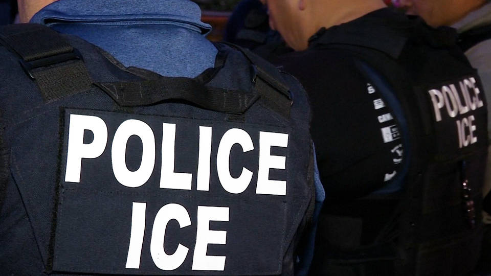 H9 wsj ice cbp use cell phone location date from games apps to arrest immigrants