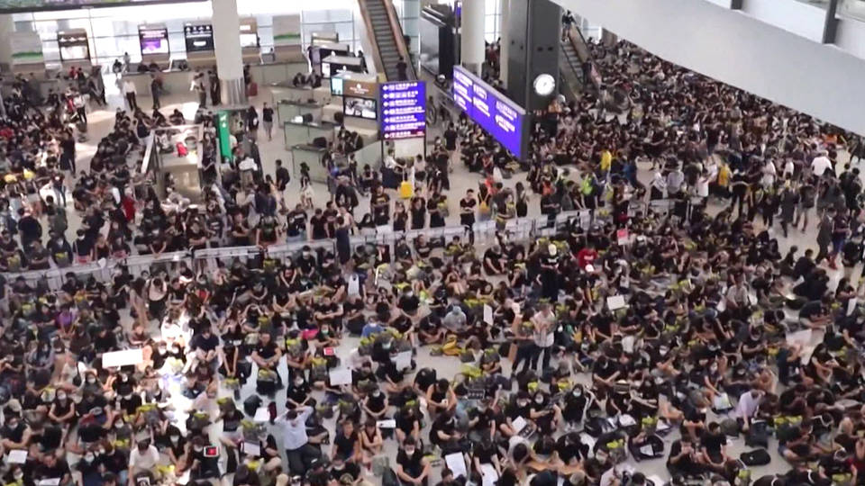H3 hong kong international airport protests shutdown