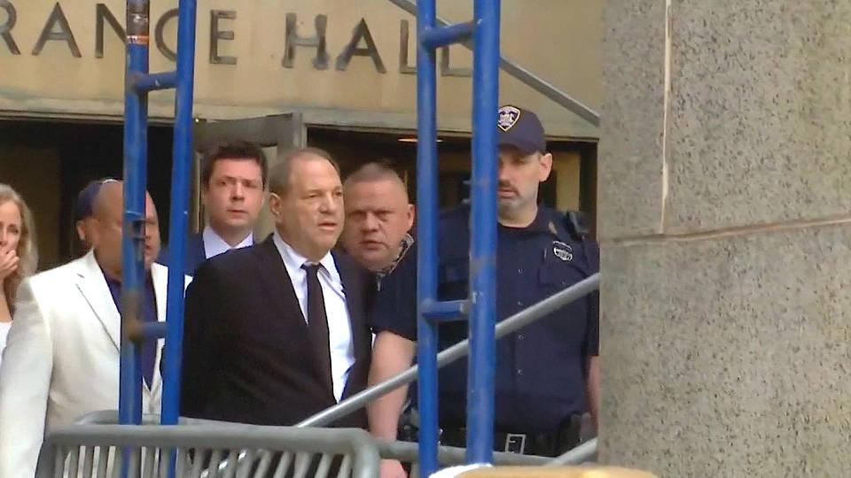 H9 new york city harvey weinstein witnesses testify sopranos annabella sciorra statute limitations rape charges trial sexual assault