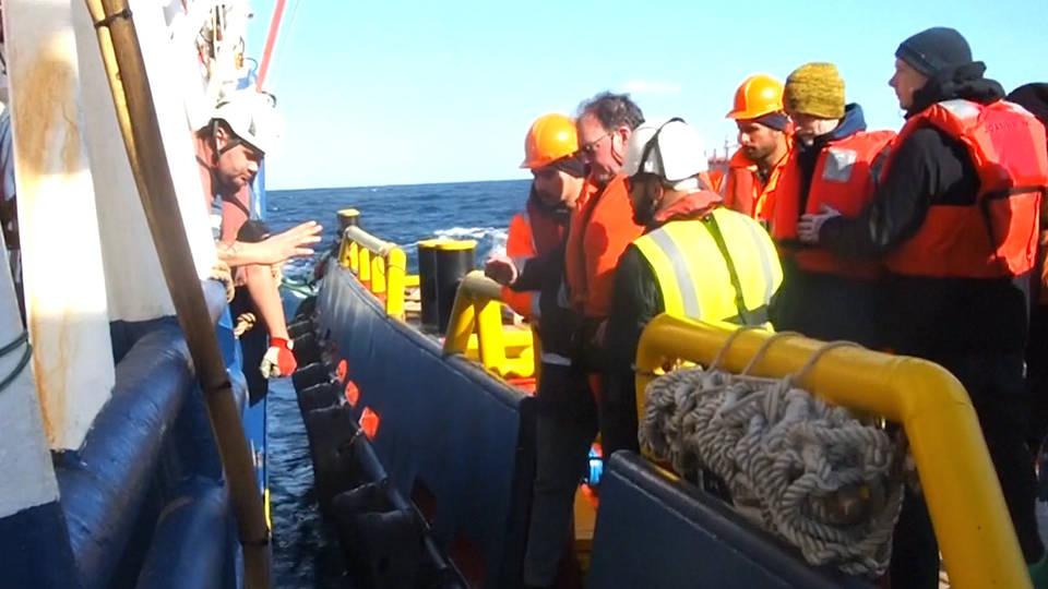 H8 stranded migrants