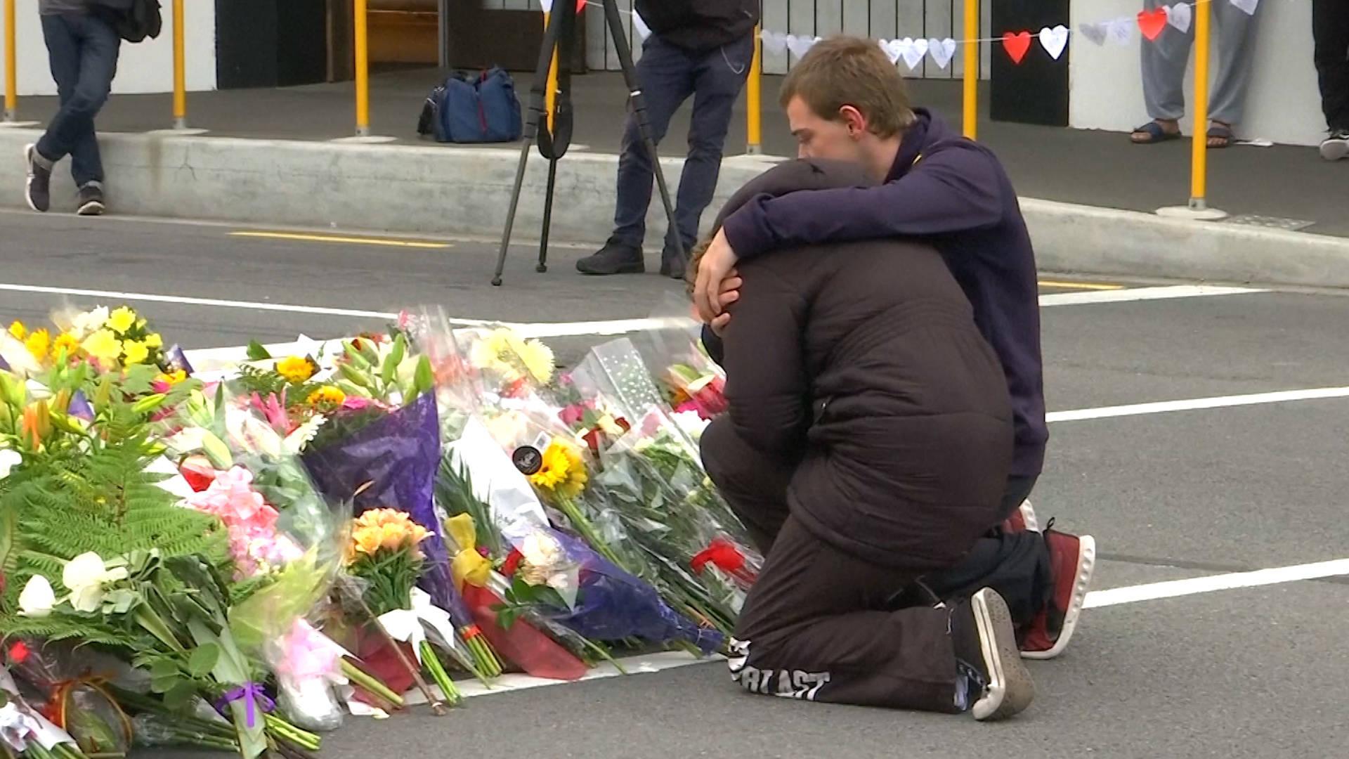 Video Masacre Nueva Zelanda Hd: Nueva Zelanda Lamenta La Muerte De Las Víctimas Del Ataque