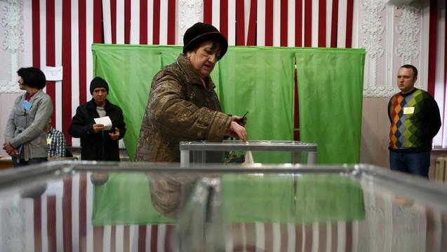 Crimea voting02