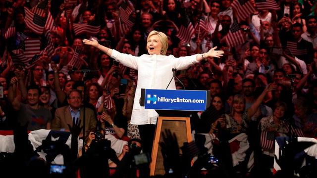 Hillary nom