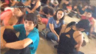 Washingtonpostcrowdeddetention01