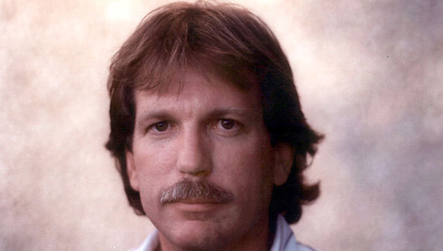 investigative reporter gary webb who linked cia to crack