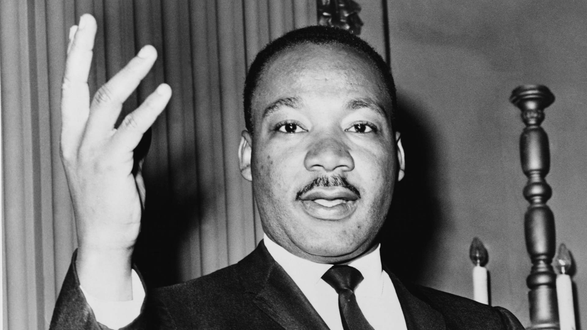 mlk rhetoric Ramon tuason as one of the most charismatic orators and leaders of the twentieth century, martin luther king led the civil rights movement to success, bringing an end to racial segregation in the united states.