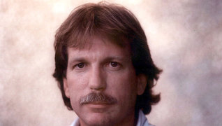 """Dark Alliance"": <span class=""caps"">CIA</span> Crack Connection Reporter Gary Webb Releases New Book"
