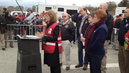 Red-cross-presser
