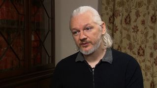 Assange no id 3