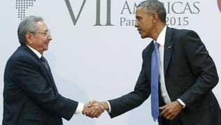 Obama castro panama handshake