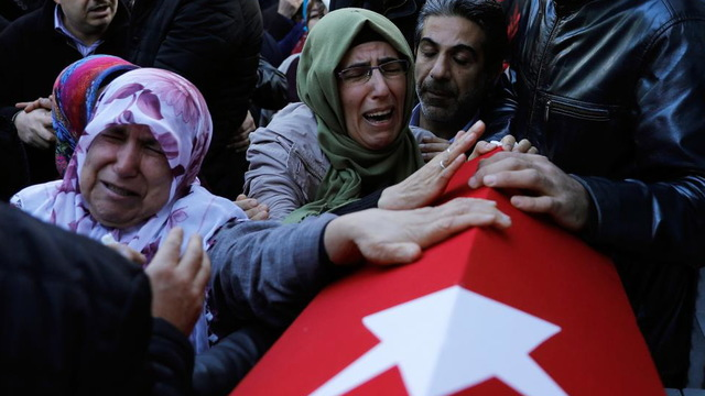 S4 turkey mourners