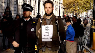 Seg extinctionrebellion protester arrested