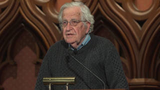 Guest chomsky lectern1