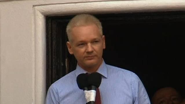 Julian assange embassy