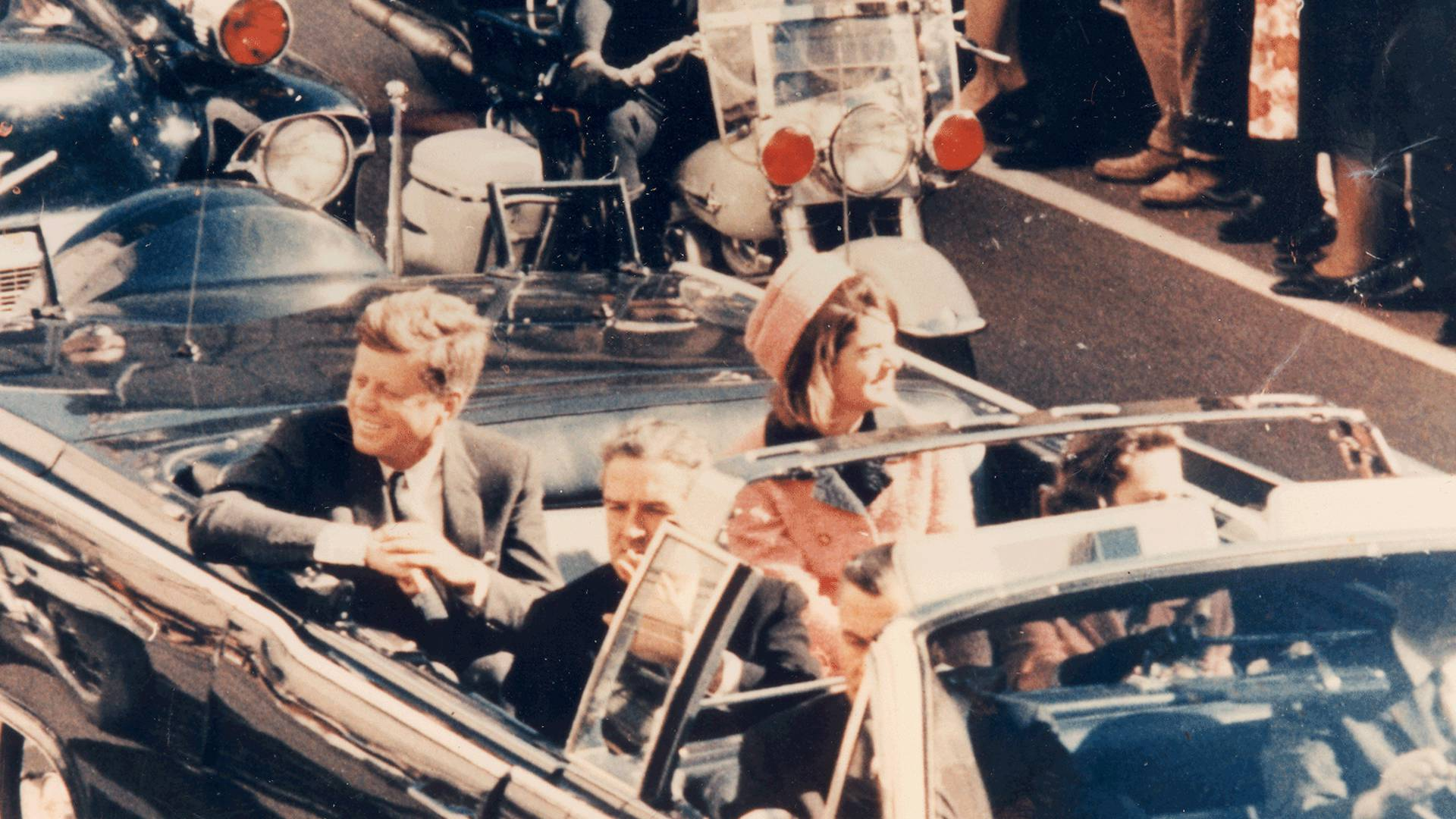a review of the assassination of president kennedy in 1963 Since president john f kennedy was murdered in dallas in 1963, researchers have laid the blame on everyone from organized crime to shadowy government officials the kennedy assassination explains the various facts and theories surrounding the assassination so that the reader may draw informed conclusions about this.