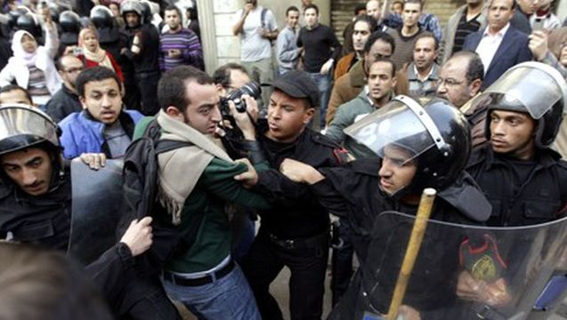 Egypt journalists crackdown