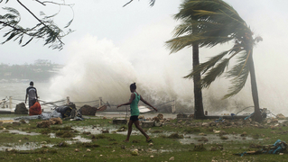 Vanuatu-cyclone-pam-destruction-2