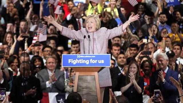 Hillaryny2