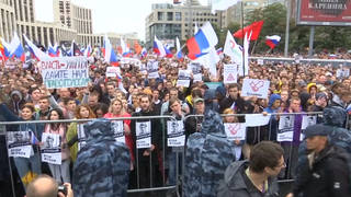 Seg3 russia protest wide