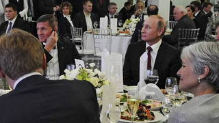 S8 flynn putin stein table