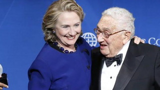 Clinton kissinger