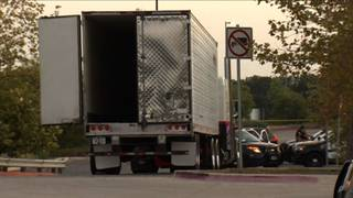 Truck migrants texas