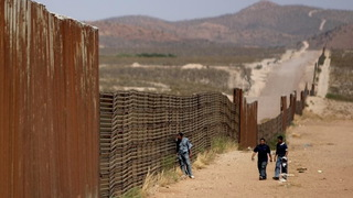 S06 immigration border fence